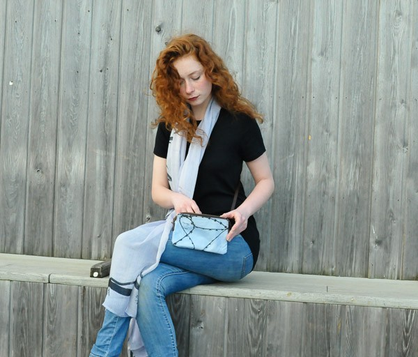 Razzor scarf & Femme bag © design & photography Teresa Neal
